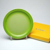 レビューで次回2000円オフ ル・クルーゼ (Le Creuset)  ラウンドプレート・LC 19cm フルーツグリーン 生活用品・インテリア・雑貨 キッチン・食器 食器