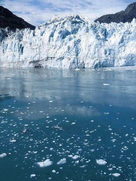 アラスカ氷河の氷