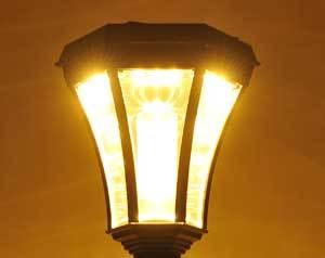 暖色系のやわらかな灯り