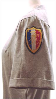 REPUBLIQUE (リパブリック)グレーのTシャツ