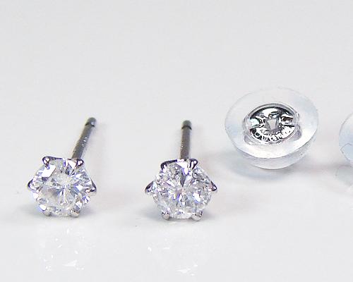 プラチナダイヤピアス・合計0.20カラット一粒ダイヤモンド
