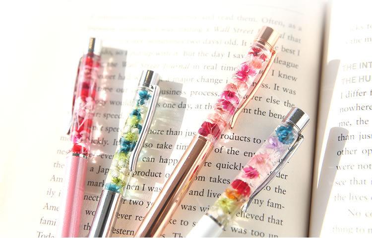ハーバリウムボールペン 職場や学校でおしゃれに使える